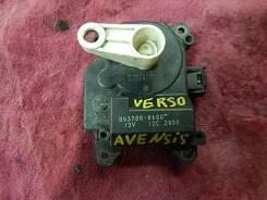 Сервопривод заслонок печки. Toyota Avensis Verso