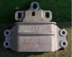 Подушка моста. Audi RS Q3 Audi Q3 Двигатели: CZGA, CTSA, CCZC, CUWA, CPSA, CHPB, CULB, CULC, CLLB, CCTA, CFFA, CFFB, CFGC, CFGD, CLJA, CWLA, CZDA, CZD...