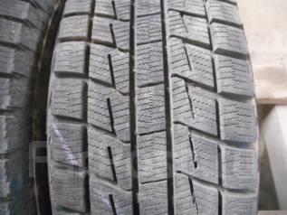 Bridgestone Blizzak Revo1. Зимние, без шипов, 2006 год, износ: 5%, 2 шт