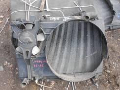 Радиатор охлаждения двигателя. Toyota Noah