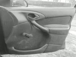Обшивка двери. Ford Focus
