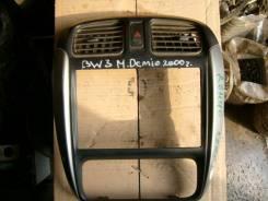 Консоль панели приборов. Mazda Demio, DW3W Двигатель B3E
