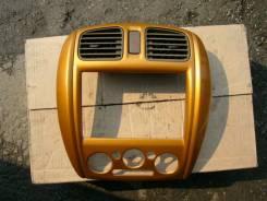 Консоль панели приборов. Mazda Familia, BJ5P Двигатель ZL