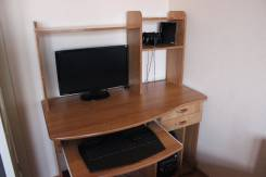 Столы компьютерные.