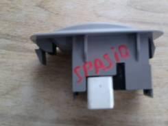 Кнопка стеклоподъемника. Toyota Corolla Spacio, AE111