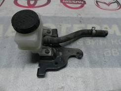 Бачок главного тормозного цилиндра с кронштейном Nissan Murano Z50 VQ35DE