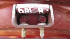 Петля двери багажника правая Hyundai Trajet 2000-