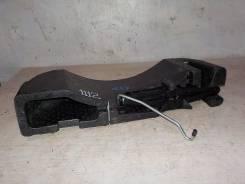 Домкрат+ключ с ящиком под инструменты 2010- МКПП Renault Fluence