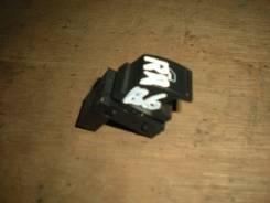 Кнопка стеклоподъемника заднего правого 2005-2010 VW Passat B6