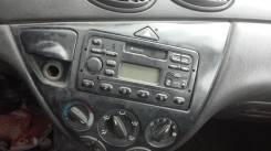 Кнопка включения аварийной остановки. Ford Focus