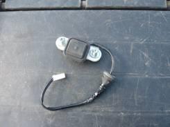 Кнопка открывания багажника. Toyota Crown, GRS200