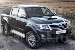 Молдинг решетки радиатора. Toyota Hilux