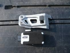 Блок управления топливным насосом. Toyota Crown, GRS200
