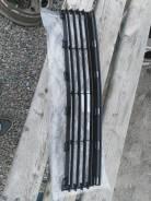 Решетка бамперная. Toyota Prius, NHW20