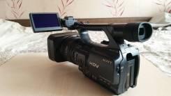 Sony HDR-FX1000E. 20 и более Мп, с объективом