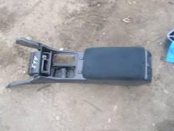 Бардачок между сидений Toyota Aristo JZS161 JZS160