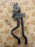 Корпус термостата. Nissan Bluebird Двигатель QG18DE