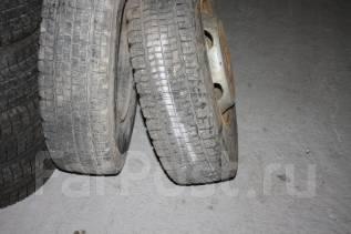 Bridgestone W990. Всесезонные, 2011 год, износ: 10%, 2 шт