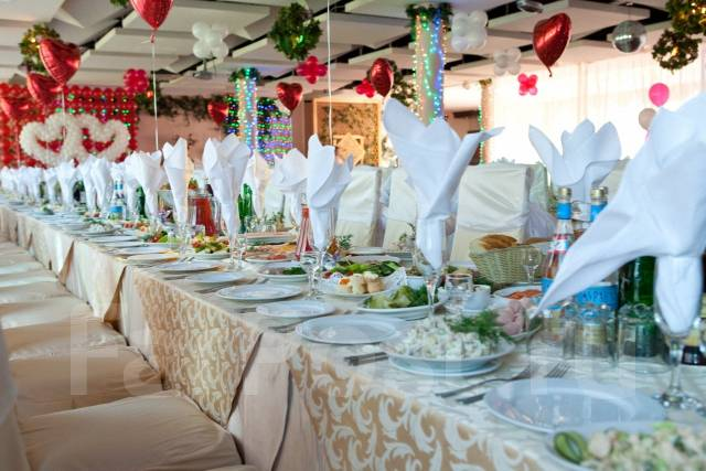 Аренда мебели для банкета, праздника -столы/стулья/посуда/текстиль
