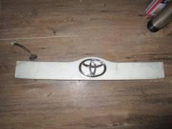 Накладка на дверь багажника. Toyota Succeed