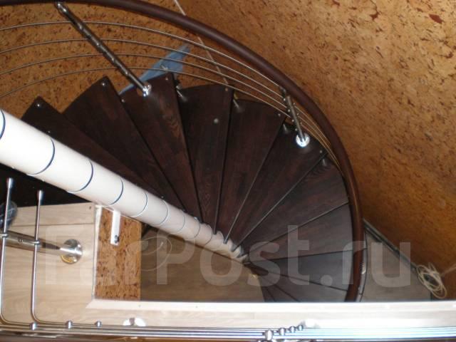 Лестницы, ограждения для лестниц из стекла и металла, комплектующие