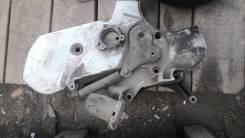 Лобовина двигателя. Audi V8