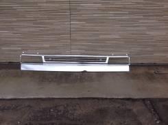 Решетка радиатора на Mazda Titan широкая кабина под фару хром