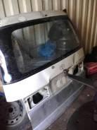 Дверь багажника. Toyota Regius, RCH41