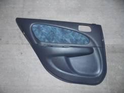 Обшивка двери. Toyota Sprinter Carib, AE111G, AE111