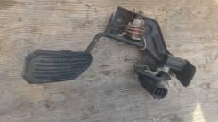 Педаль акселератора. Toyota Noah, AZR65 Двигатель 1AZFSE