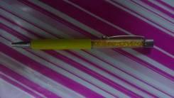 Ручка со стразами.