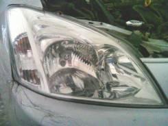 Фара передняя правая Toyota Allex Runx оригинал оем Valeo