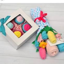 Подарки из носочков и одежды для малышей. Под заказ