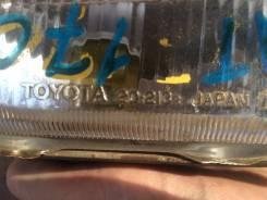 Фара противотуманная. Toyota Carina, AT170