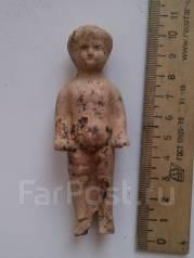 """Глиняная статуэтка """" Мальчик"""" старая. Оригинал"""