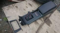 Подлокотник+ручник+пластик Nissan Laurel C34