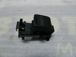 Кнопка стеклоподъемника передней правой двери RAV-4