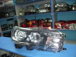 Фара правая Toyota Corolla 13-