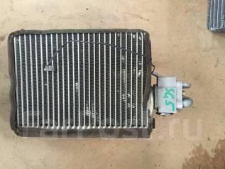 Радиатор кондиционера. Subaru Forester, SG5 Двигатели: EJ25, EJ20