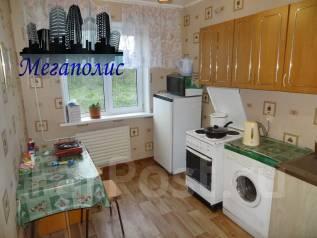 2-комнатная, улица Сабанеева 13. Баляева, агентство, 45 кв.м.