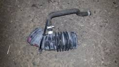 Патрубок воздухозаборника. Nissan Serena, TNC24, TC24 Двигатель QR20DE
