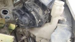 Бачок стеклоомывателя. Nissan Largo, VNW30, W30, VW30, NW30 Двигатели: KA24DE, CD20TI