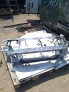 Рамка радиатора. Toyota Ipsum