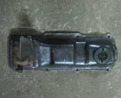 Крышка головки блока цилиндров. Volkswagen Passat Audi 80