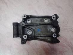 Крепление компрессора кондиционера. Mazda MPV, GESR, LVLR, GE5P, LVLW, GE8P, LVEW, LVEWE, GEFP, GEEP, LV5W Mazda Proceed, UV56R, UV66R, UF66M, UVL6R Д...