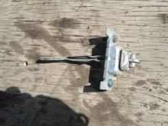 Ограничитель двери. Mazda Demio, DW3W, DW5W Ford Festiva, DW3WF, DW5WF