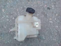 Бачок для тормозной жидкости. Nissan Atlas, P2F23 Двигатель TD27
