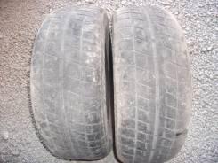 Bridgestone Blizzak Revo2. Зимние, износ: 90%, 2 шт