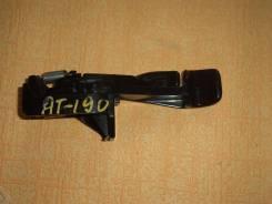 Ручка открывания бензобака. Toyota Carina, AT190 Двигатель 4AFE