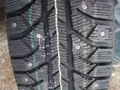 Bridgestone Ice Cruiser 7000. Зимние, шипованные, 2015 год, без износа, 2 шт